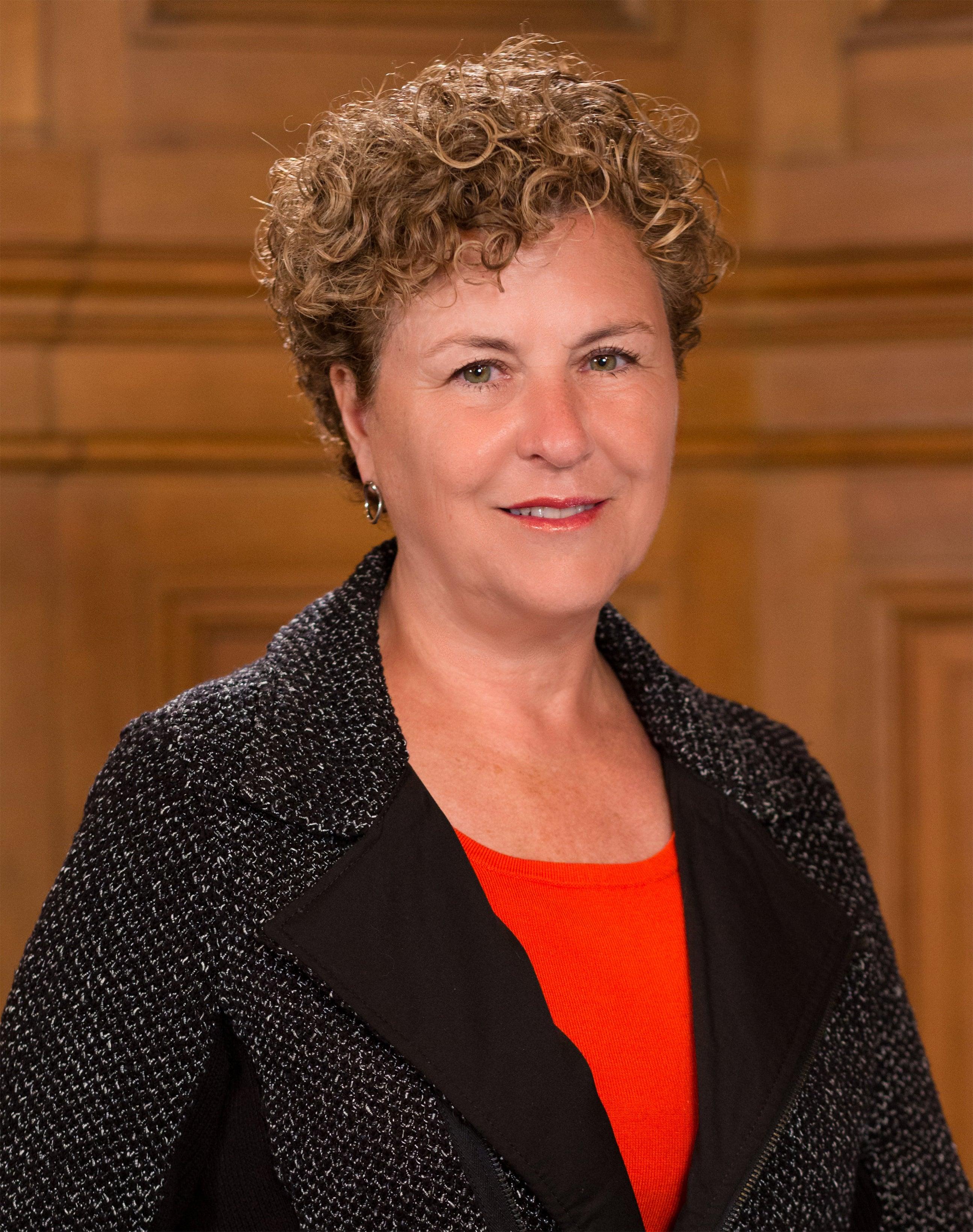 Julie Christensen Net Worth